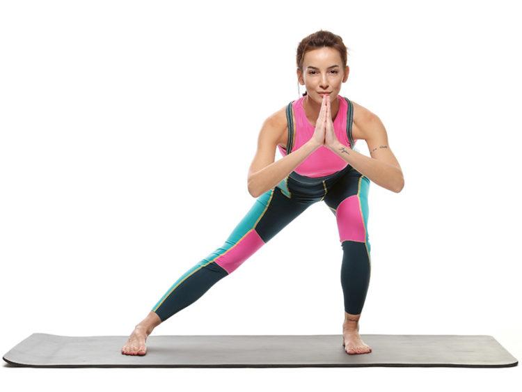 Evde bir beden incelten egzersiz hareketleri