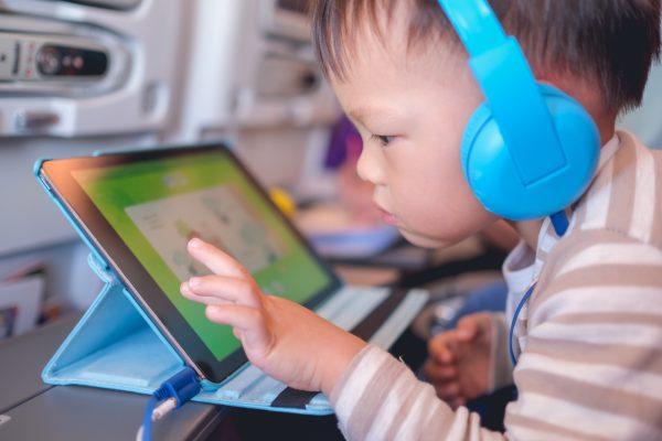 5 yaş altı çocuklarda telefon ve tablet kullanımı