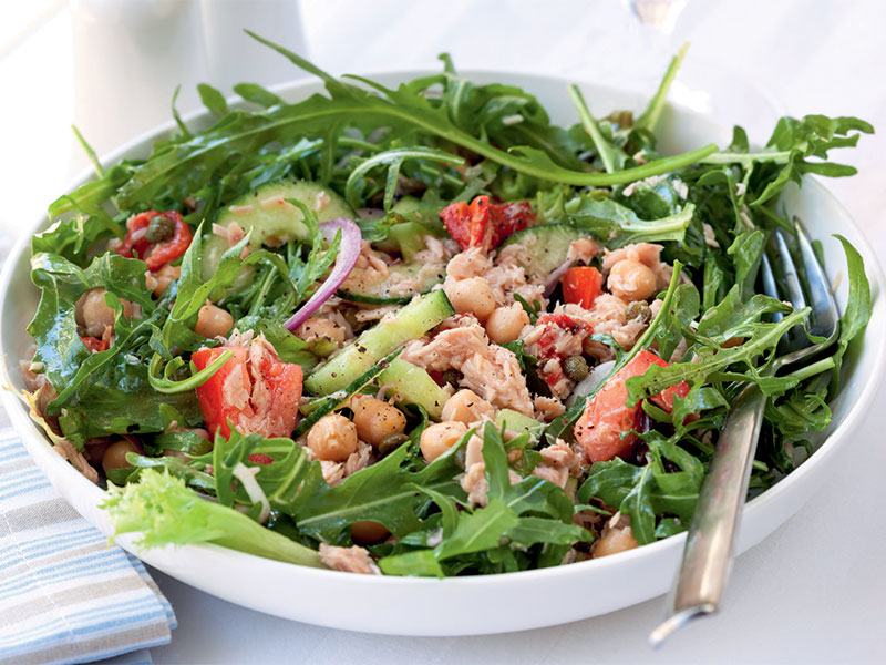 nohutlu-ton-balikli-salata